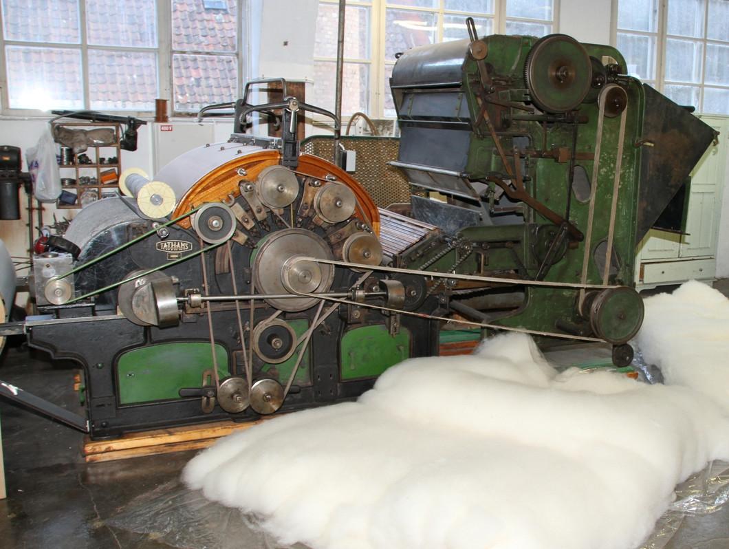 Производство ткани Бостон из шерсти