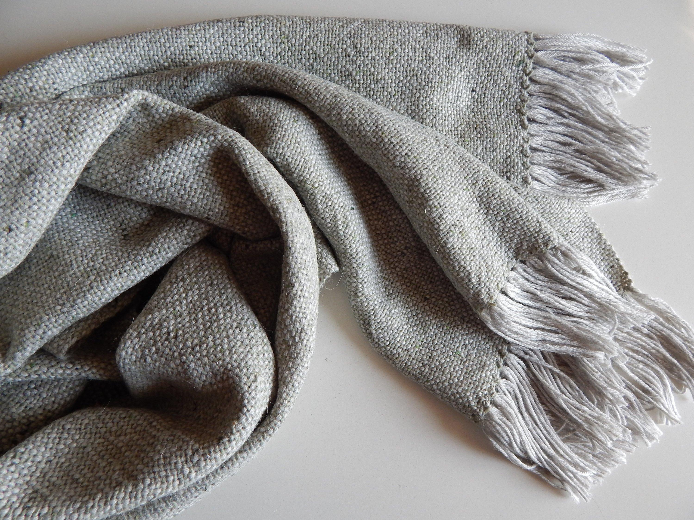 Камвольная (гребенная)  шерстяная ткань